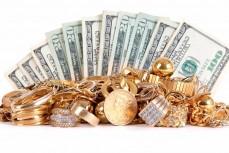 Золотые украшения и деньги