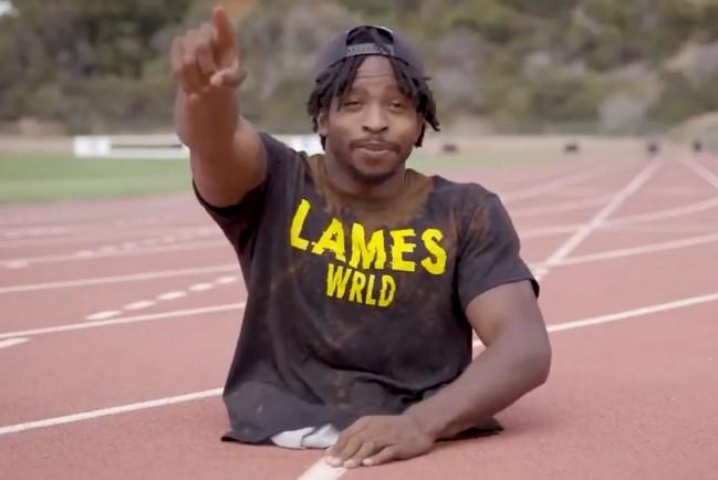 Безногий спортсмен поставил рекорд по бегу на руках