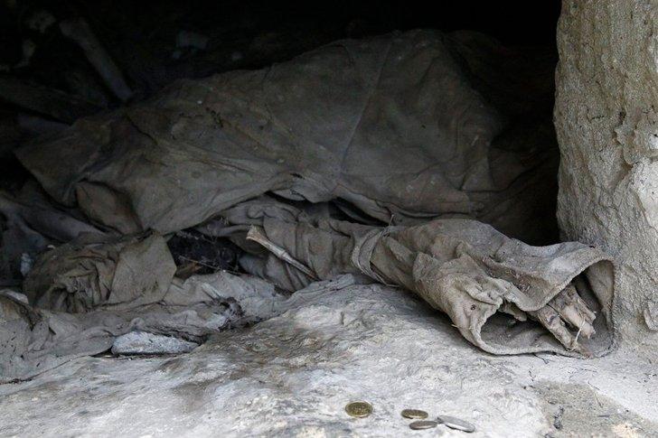 Человеческие останки в склепе «Города мёртвых» в Даргавсе