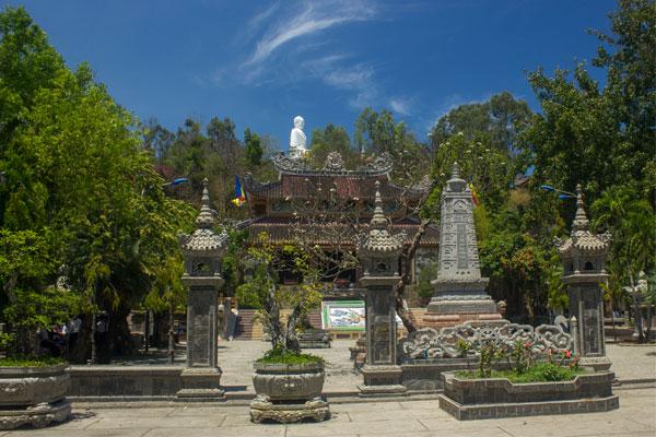 Пагода Лон Шон (Long Son Pagoda). Нячанг. Вьетнам.