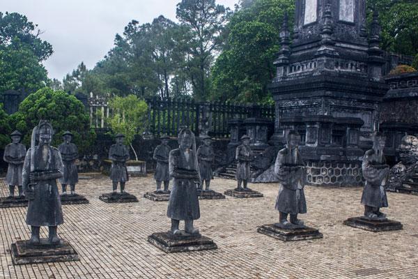 Каменные войны. Гробница императора Кхай Диня (Lăng Khải Định). Вьетнам.
