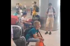 Авиакомпания АЛРОСА бросила своих пассажиров вылетающих в Мирный из Москвы