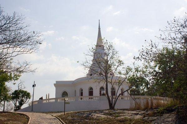 Территория мемориального комплекса Рамы V. Си Чанг, Таиланд.