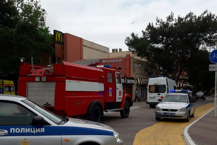 Центр Геленджика перекрыт, угроза теракта