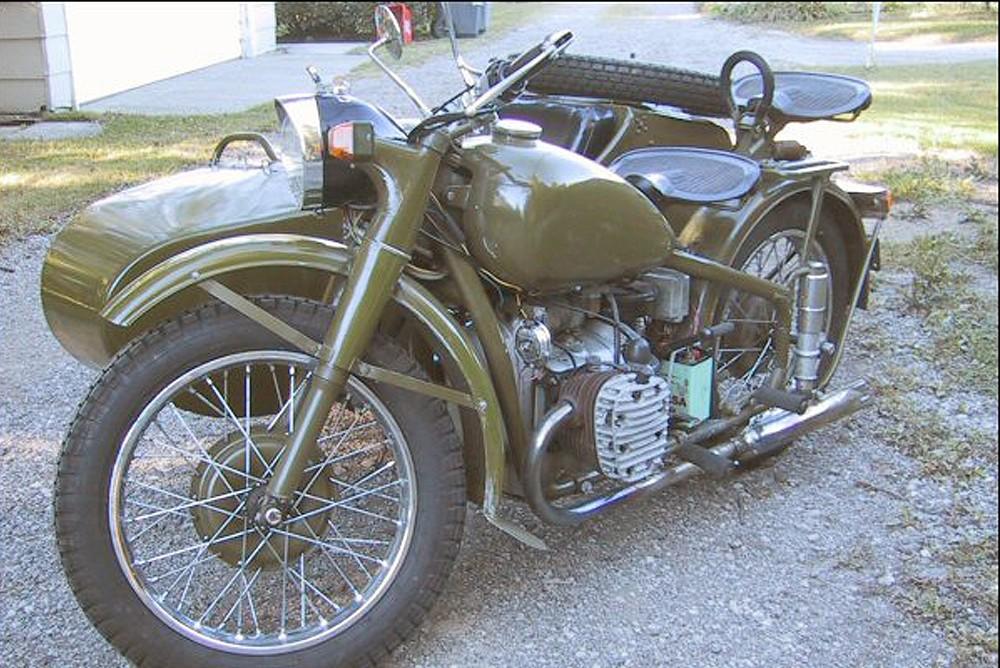 Китайский мотоцикл Chang Jiang С J −750