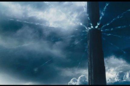 """Кадр из фильма """"Темная башня""""."""