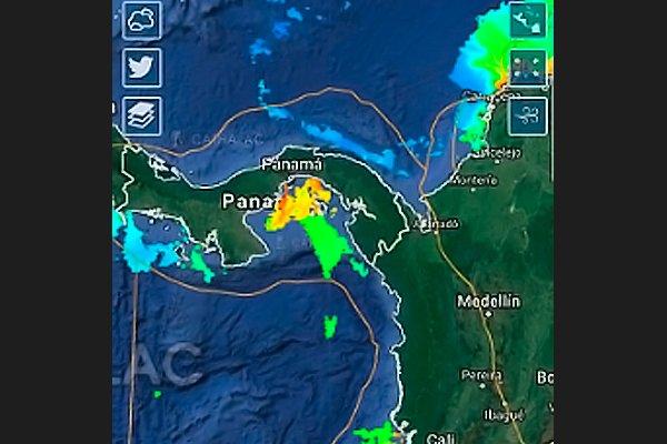 Красный прилив на тихоокеанском побережье Центральной Америки, вид со спутника