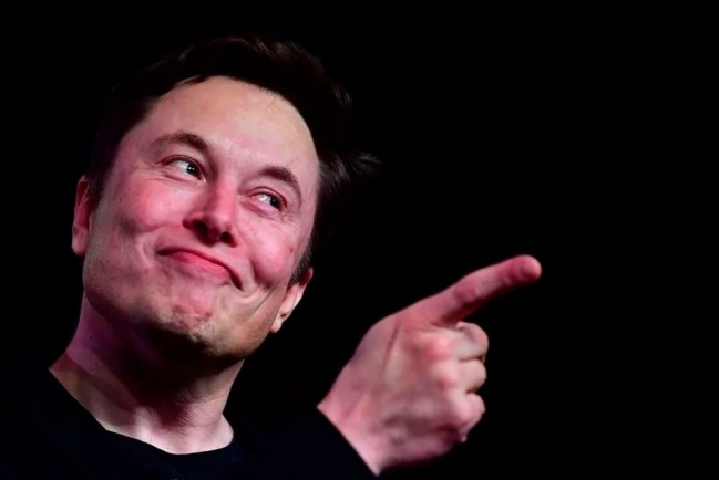 Илон Маск стал самым богатым человеком в мире и пошутил о штурме Капитолия