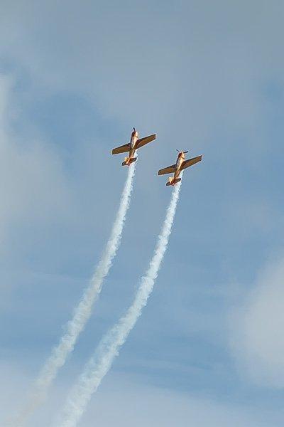 Фигуры высшего пилотажа от асов пилотажной группы «Первый полёт»
