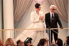Дизайнер Карл Лагерфельд выбрал казино, чтобы представить свою последнюю коллекцию Шанель осень-зима 20015.