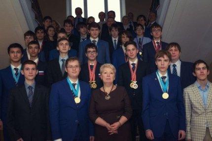 О.Ю. Голодец и российские школьники.
