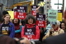 Протестные акции против иммиграционного указа Трампа.