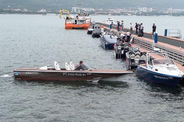 Высокоскоростной катер на подводных крыльях «Альбатрос»