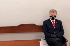 Пётр Порошенко пришел в суд на допрос о сдаче Крыма