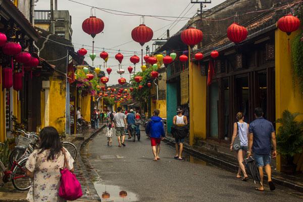 Старинные улочки города Хойан. Вьетнам.