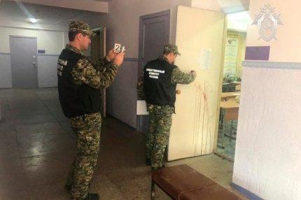 Сотрудники Следственного комитета проводят расследование в керченском колледже