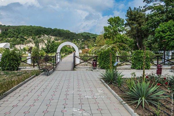 Арки в парке Абрау-Дюрсо