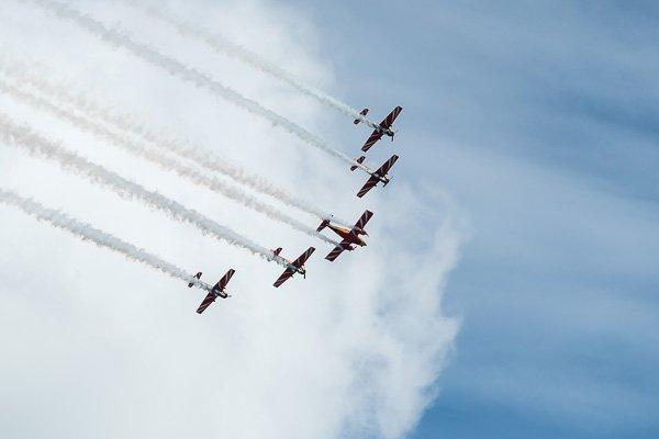 Показательные выступления пилотажной группы «Первый полёт»