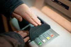 На Украине массово атакуют российские банкоматы.