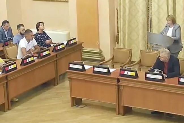 Одесские депутаты сквозь муки пытаются говорить на украинском