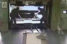 Работники фабрики