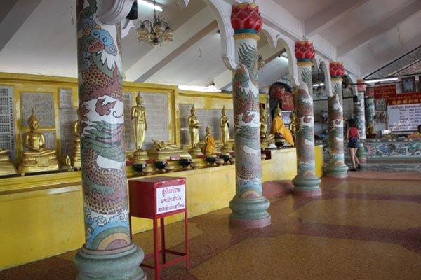 Китайский храм Chao Por Khao Yai Shrine в Си Чанге, Таиланд.