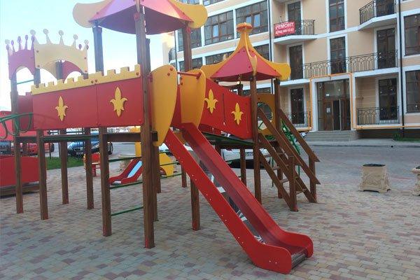 Детская площадка в жилом комплексе «Черноморский-2»