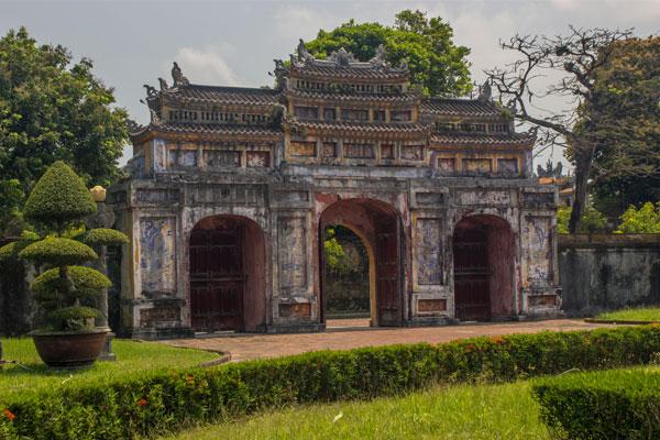 Ворота. Императорская цитадель, г. Хюэ. Вьетнам.