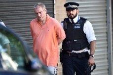 Полиция ведёт мужчину, напавшего на прихожан мечети в Лондоне.
