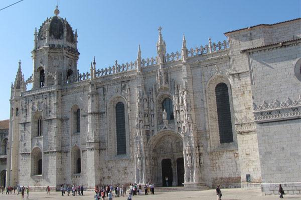 Монастырь иеронимитов в предместье Лиссабона, Жеронимуш (порт. Mosteiro dos Jerónimos).