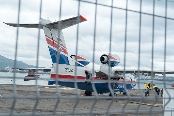 Самолёт-амфибия Бе-200 ЧС. Вид сзади