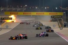 Гонку Формулы-1 остановили из-за взрыва болида
