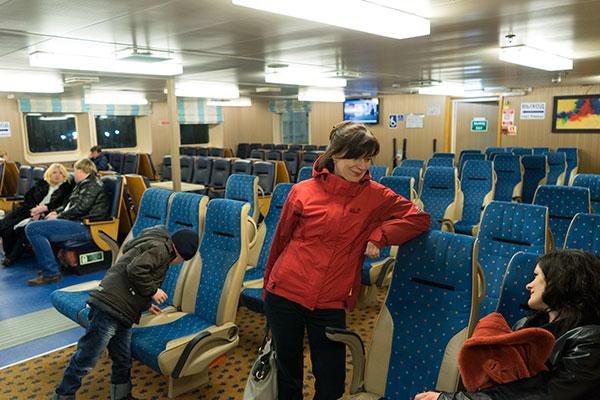 Зал для пассажиров на пароме. Керченская паромная переправа.