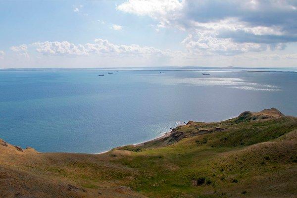 Керченский пролив. Вид с Еникальского маяка