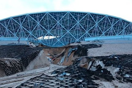 Стадион в Волгограде после дождя