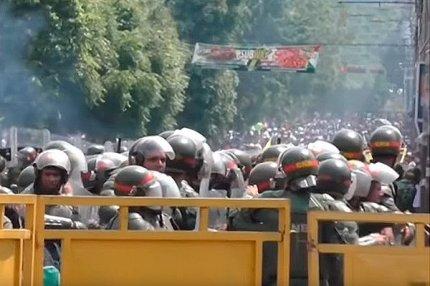 Столкновение оппозиции и военных на границе в Венесуэле