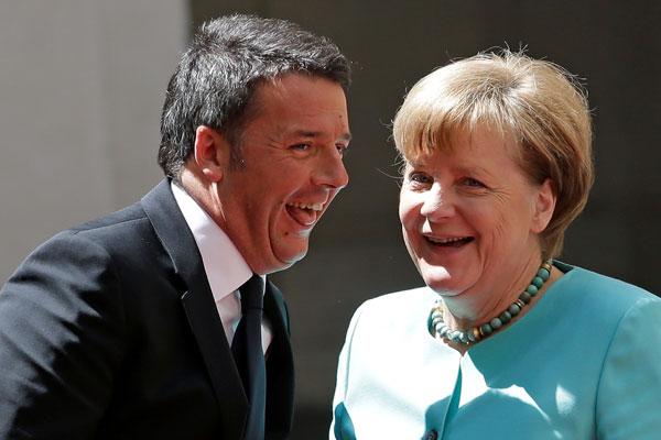 Премьер-министр Италии Маттео Ренци и канцлер Германии Ангела Меркель.