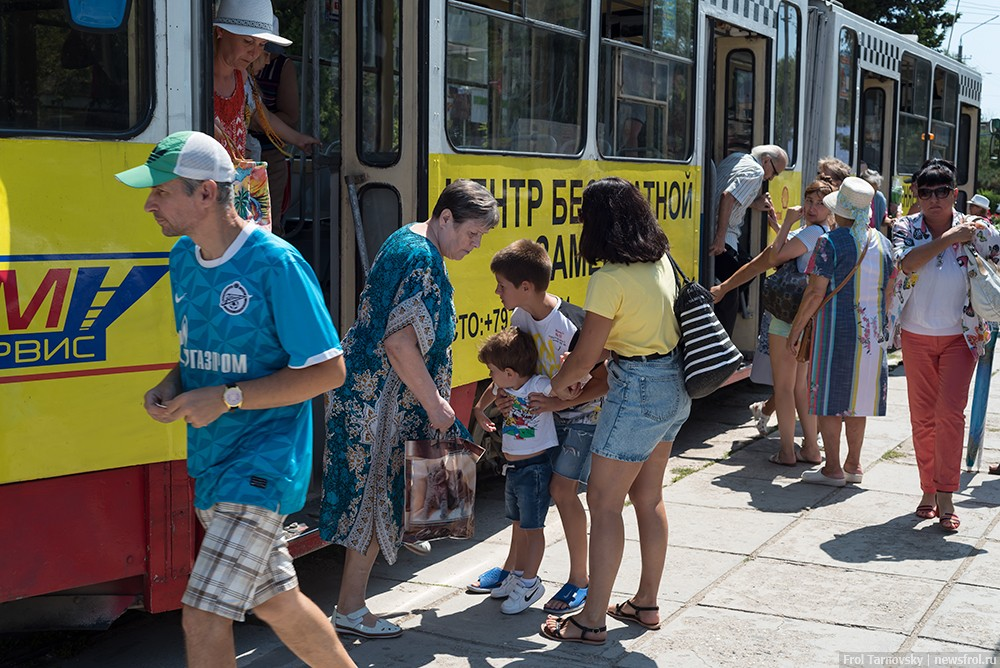 Садимся на трамвай в Евпатории