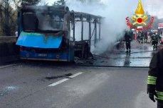 Сгоревший автобус с детьми, который поджёг выходец из Сенегала