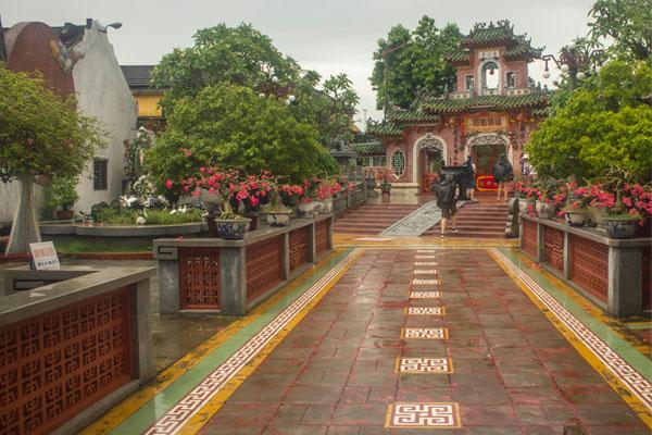 Храм в Хойане. Вьетнам.