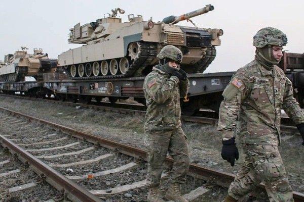 """Солдаты армии США рядом с таками """"Абрамс"""", Румыния, 2017 год"""