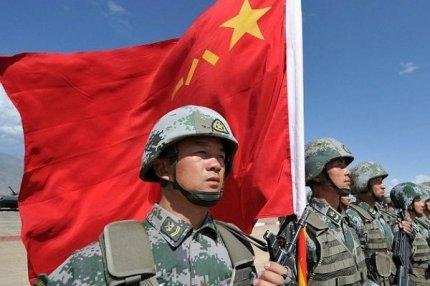 Солдаты армии Китая