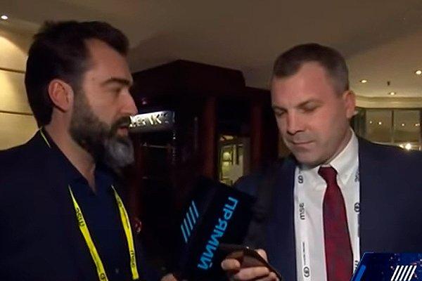 Канал «Прямой» пытается взять интервью у ведущего «60 минут» Евгения Попова