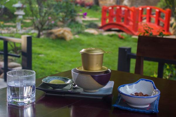 Кофе в Далатском кафе.