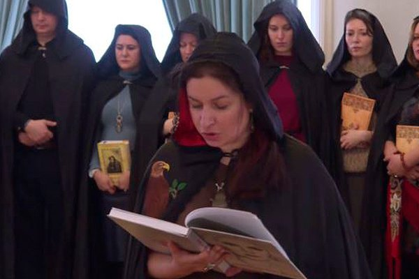 Обряд проводимый российскими ведьмами в поддержку Путина
