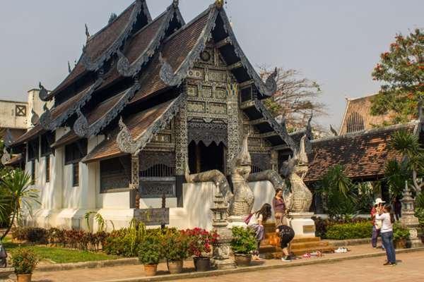Старинный храм в Чианг Мае.