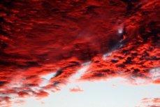 Красные облака.