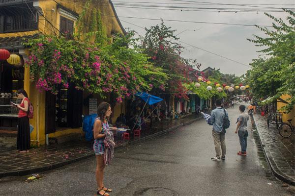 Старинные пешеходные улицы города Хойан. Вьетнам.