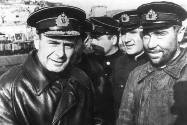 Про адмирала Арсения Головко снимут фильм