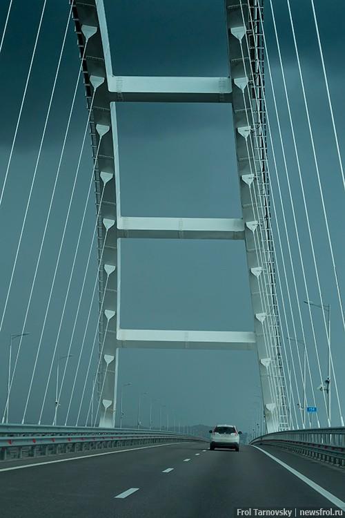 Арка автомобильной части Крымского моста